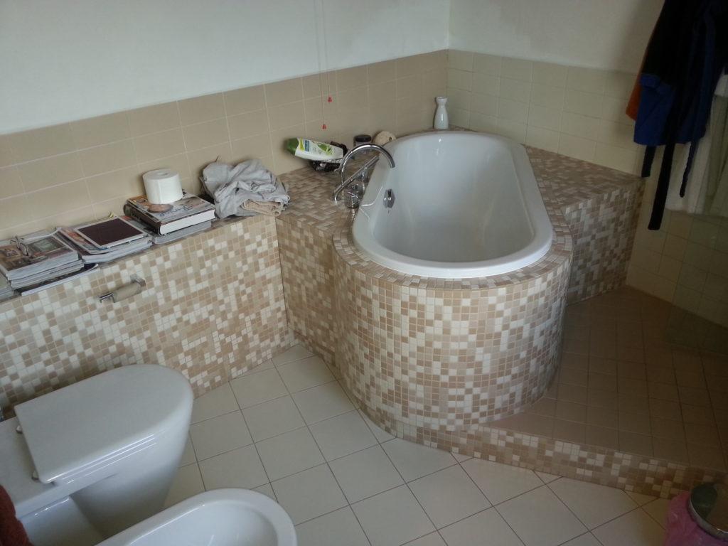 Ecco come si presentava il bagno prima della ristrutturazione